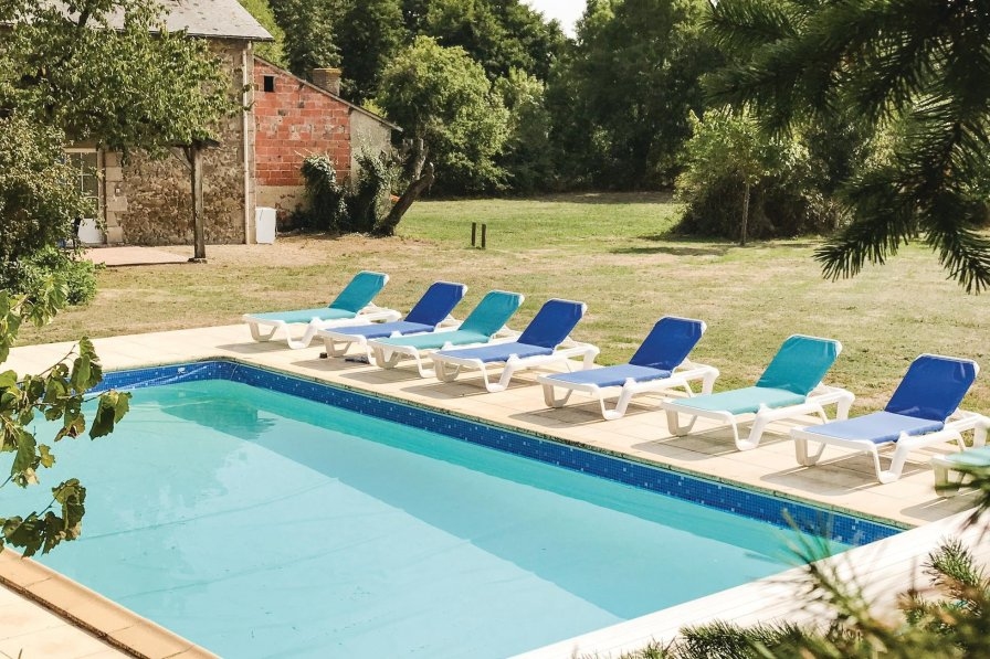 Villa in France, Saint-Aubin-du-Plain