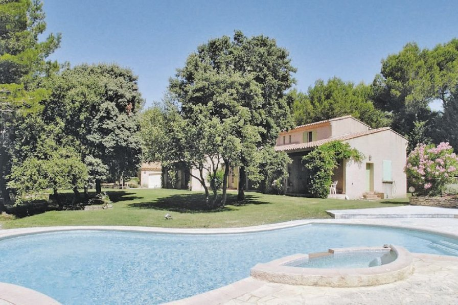 Villa with private pool in Saumane-de-Vaucluse
