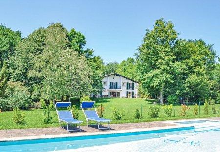 Villa in Ascain, France
