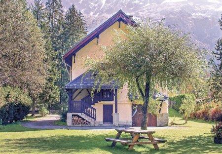 Villa in Les Bossons Les Moussoux, France