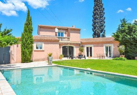 Villa in Eyguières Est, the South of France