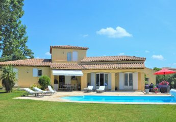 Villa in France, Lamanon