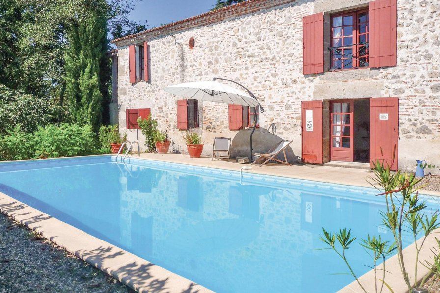 Villa in France, Ayet-Unet