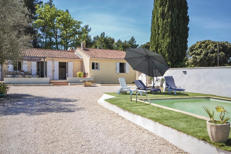 Villa in France, Vacqueyras