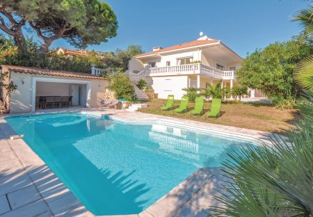 Villa in Les Paluds-Lauvert, the South of France
