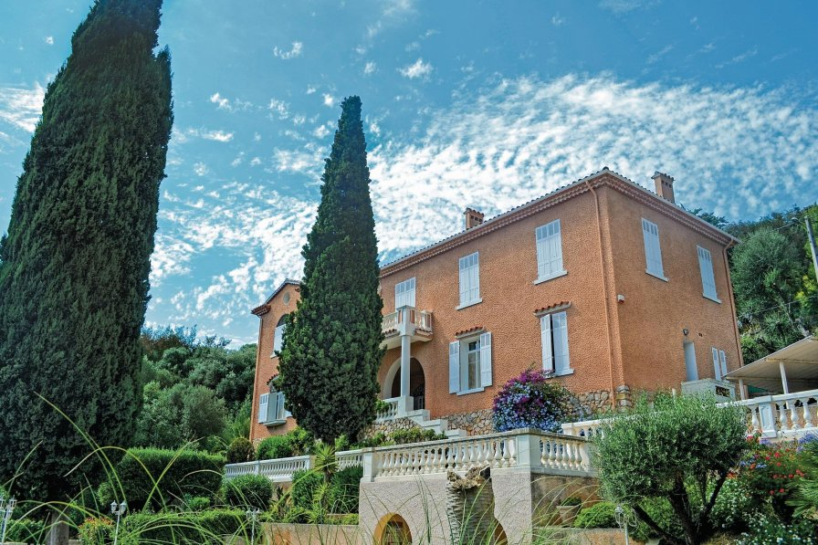 Hyères holiday villa rental with swimming pool
