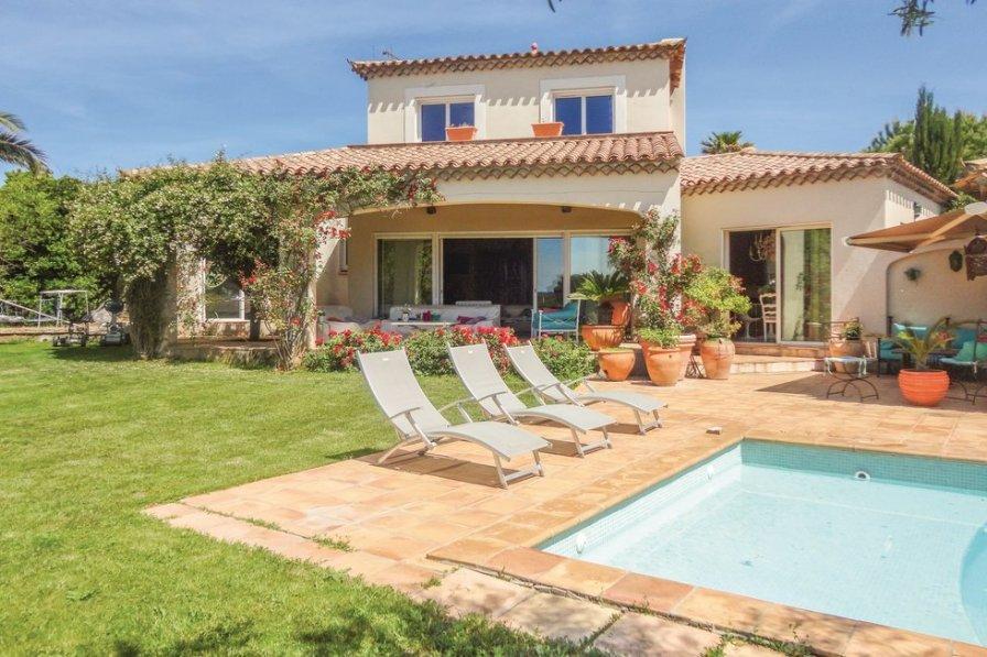 Villa in France, Montimas