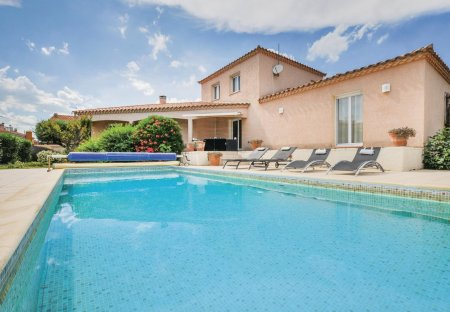 Villa in Villelongue-de-la-Salanque, the South of France