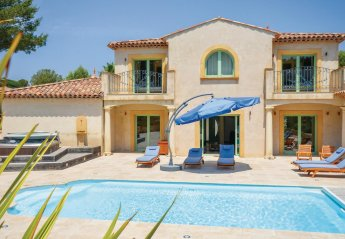 4 bedroom Villa for rent in Saint Raphael