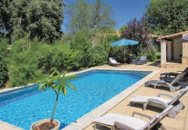 Villa in Maubec, the South of France