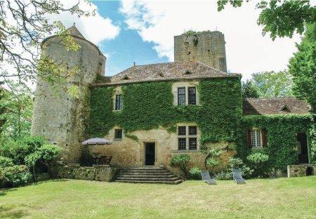 Villa in Baneuil, France