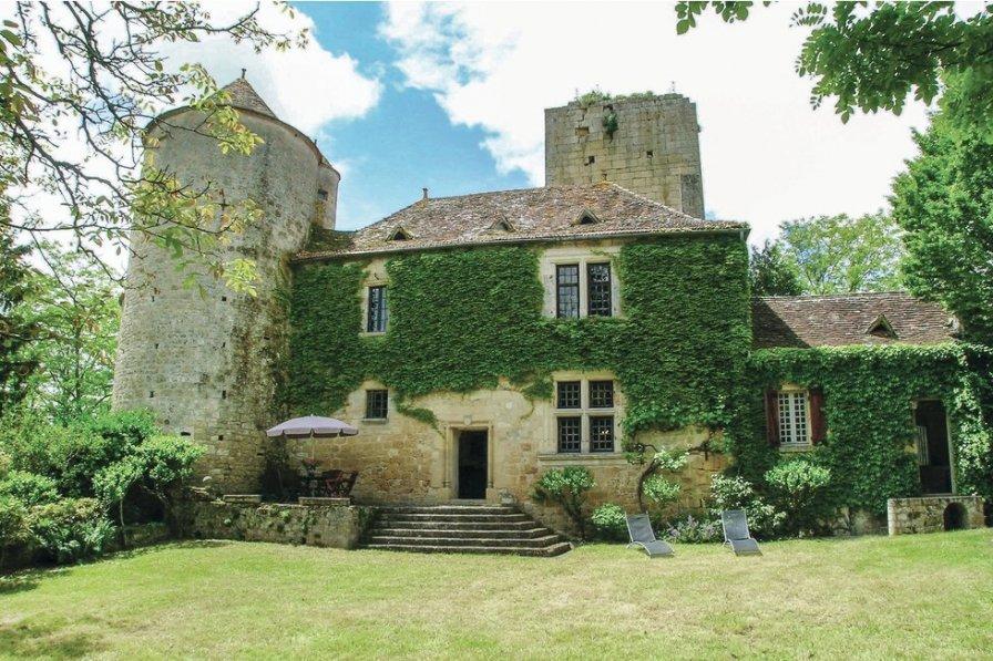 Villa in France, Baneuil