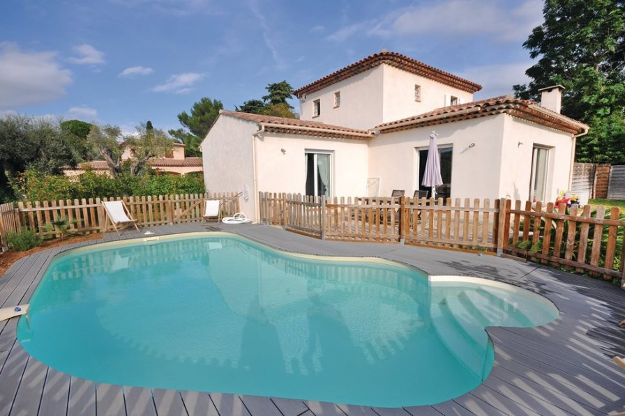 Villa rental in Fontmerle with private pool