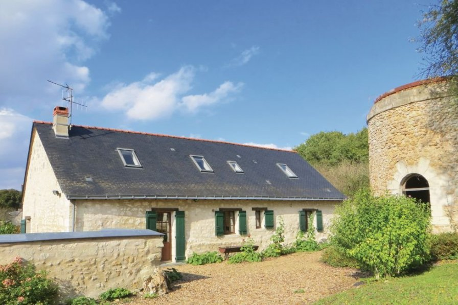Villa in France, Neuillé