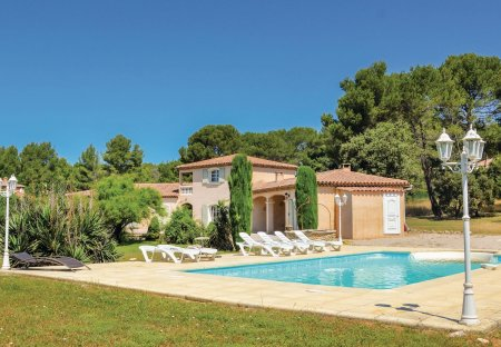 Villa in Zone de Campagne, the South of France