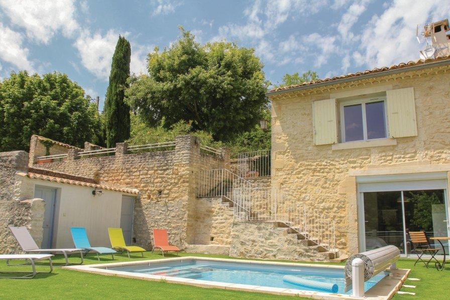 Villa in France, Saint-Restitut