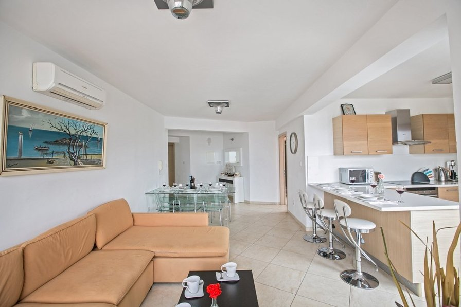 Pallini 301, 3 Bedroom apartment on Fig Tree Bay