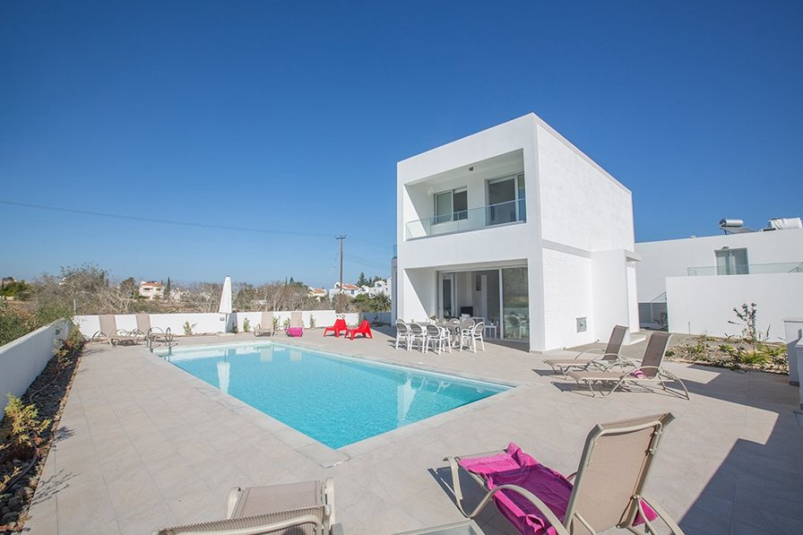 Villa Kacey, 5 Bedroom in Protaras center with private pool
