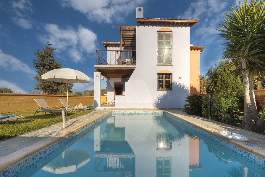 Latchi beach Location - 3 Bed Villa - Blue Flag Beach - Sea Views
