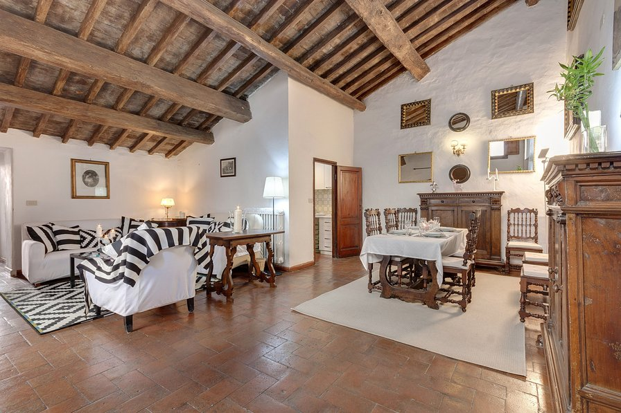 Apartment from the 16th century of the noble Ricasoli family