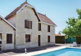 Villa in Migron, France