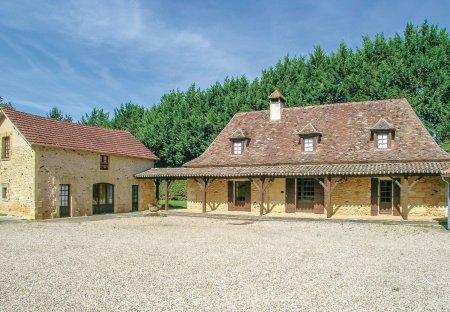 Villa in Val de Louyre et Caudeau, France