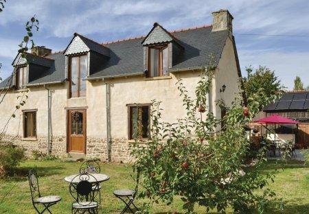 Villa in Coëtlogon, France
