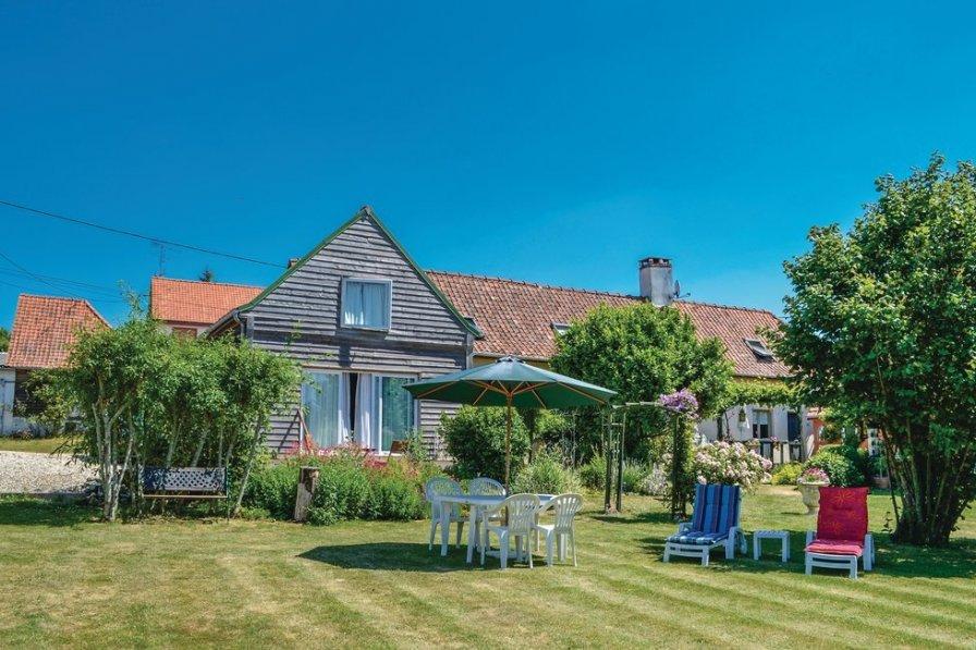 Villa in France, Douriez