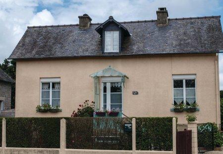Villa in Saint-Samson-sur-Rance, France