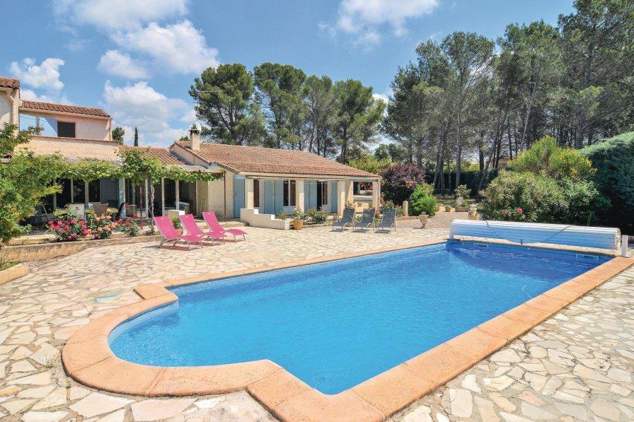 Villa in France, Saint-Cannat