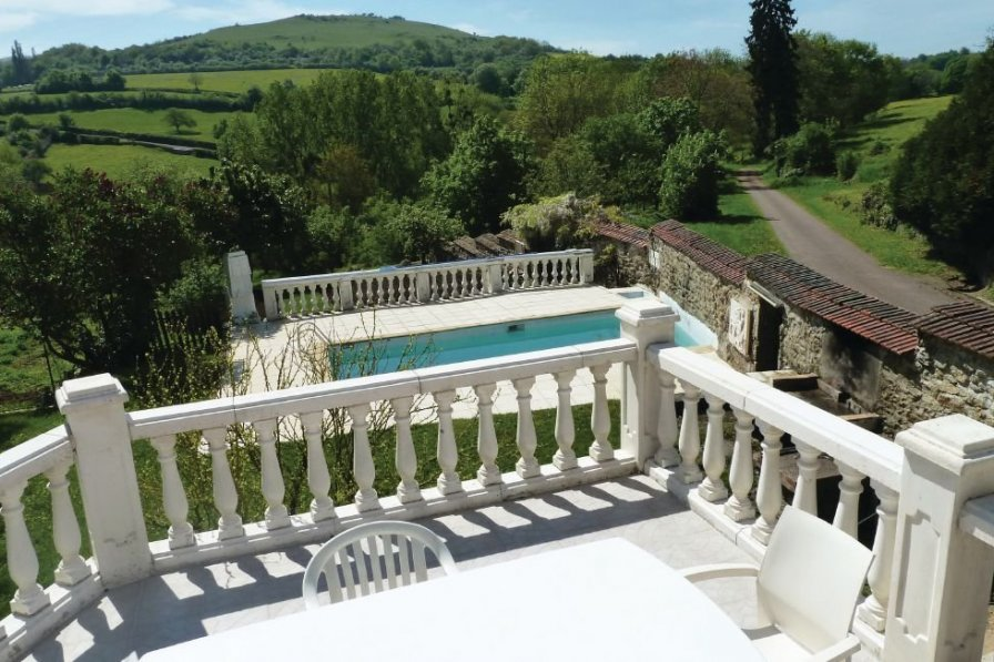 Holiday villa in Saone-et-Loire with private pool