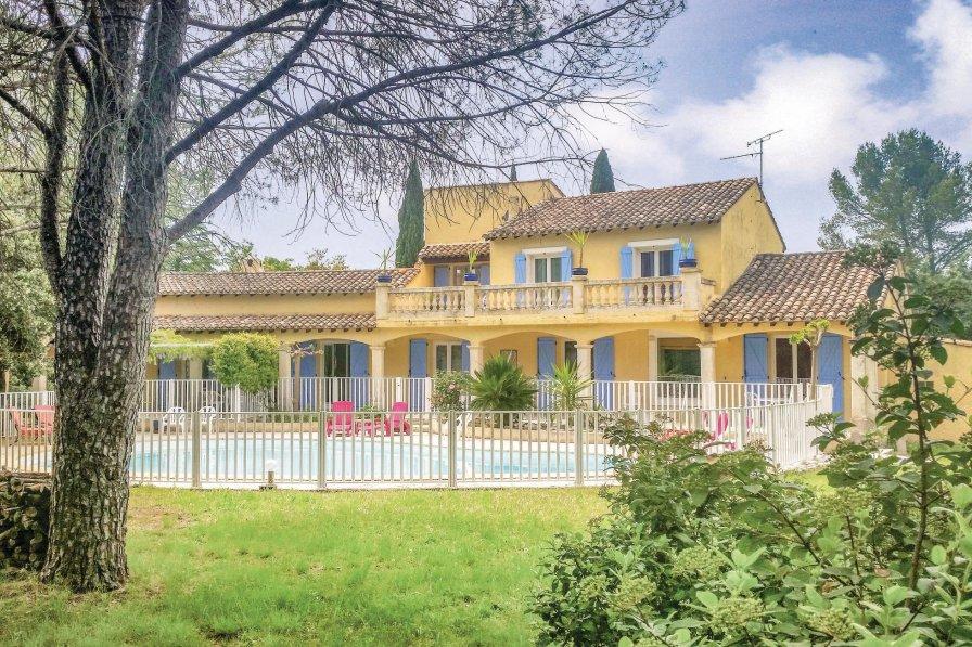 Villa in France, Villetelle