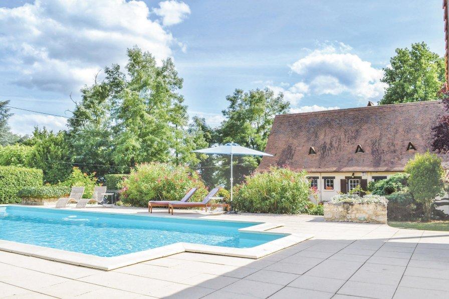 Villa in France, Vélines