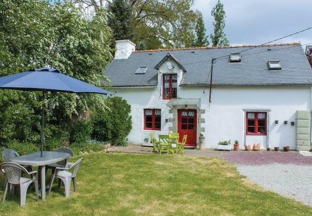 Villa in Noyal-Pontivy, France