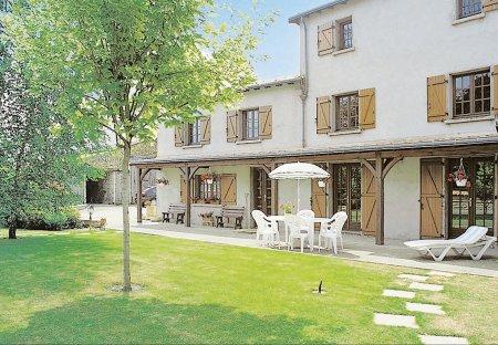 Villa in Louzy, France