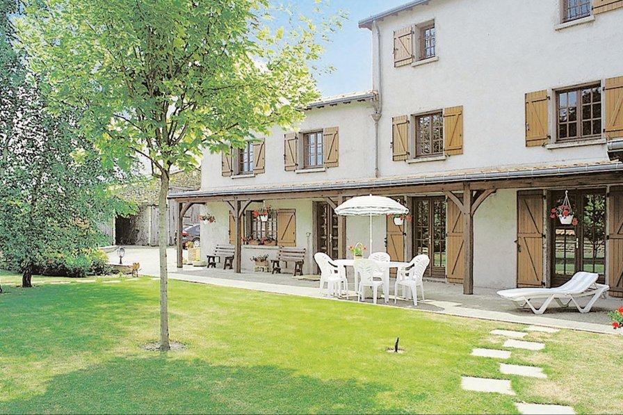Villa in France, Louzy