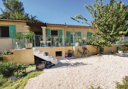 Villa in Sainte-Anastasie-sur-Issole, the South of France