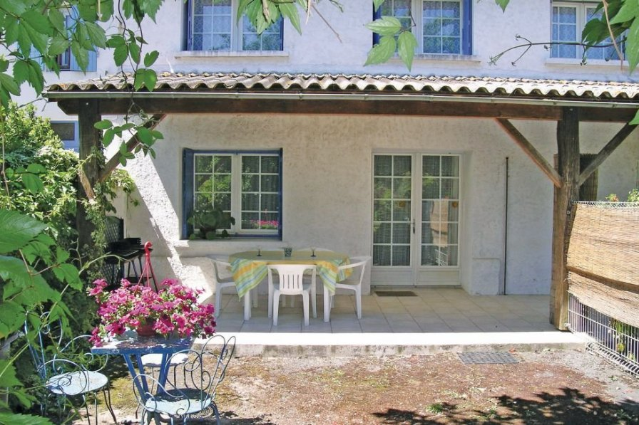 Villa in France, Arces: