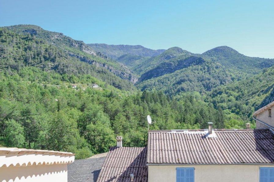 Villa in France, Cuébris