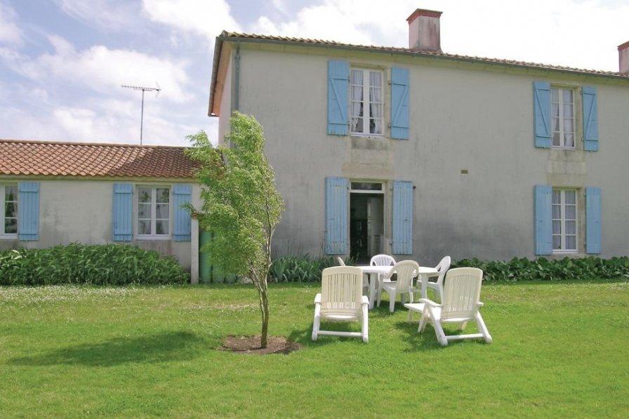 Villa in France, Grues