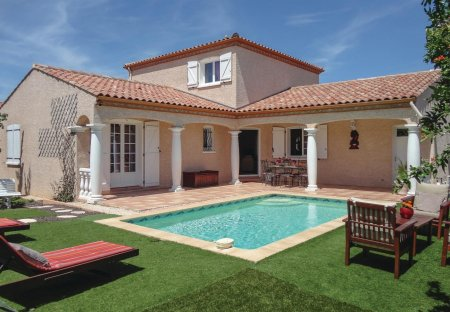 Villa in Servian, the South of France