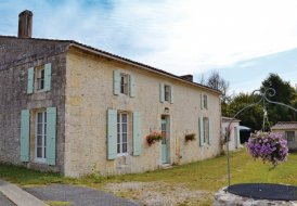 Villa in Saint-André-de-Lidon, France