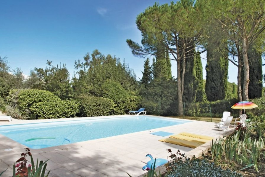 Apartment rental in Valmasque-Notre Dame de Vie with shared pool