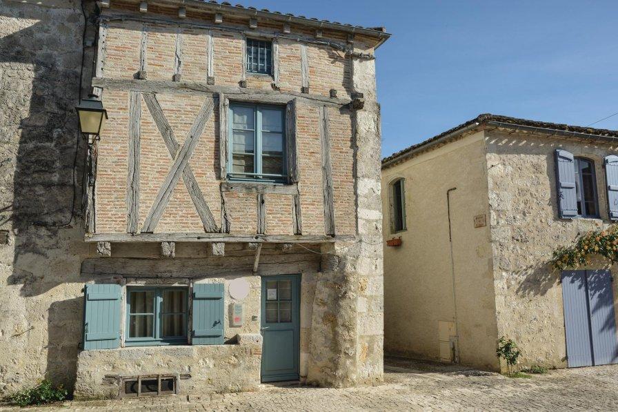 Villa in France, Montjoi