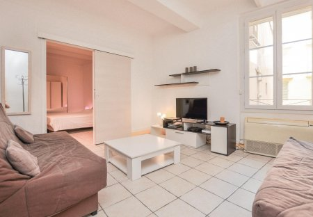 Apartment in Le Vieux Port-Les Iles, the South of France