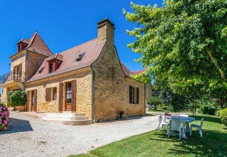 Apartment in Saint-Crépin-et-Carlucet, France: