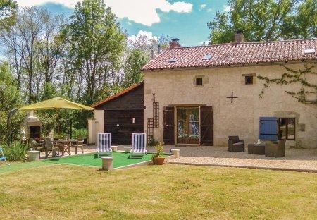 Villa in Usson-du-Poitou, France