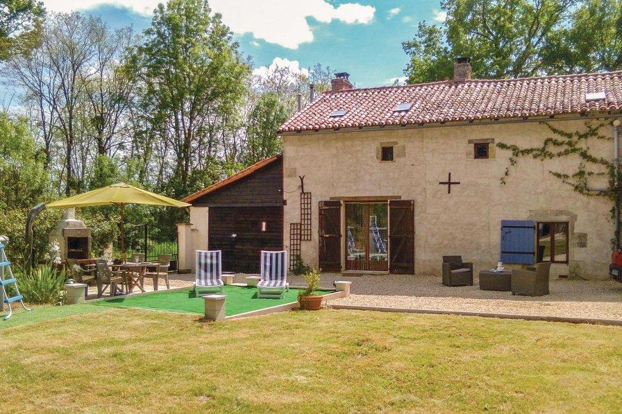 Villa in France, Usson-du-Poitou