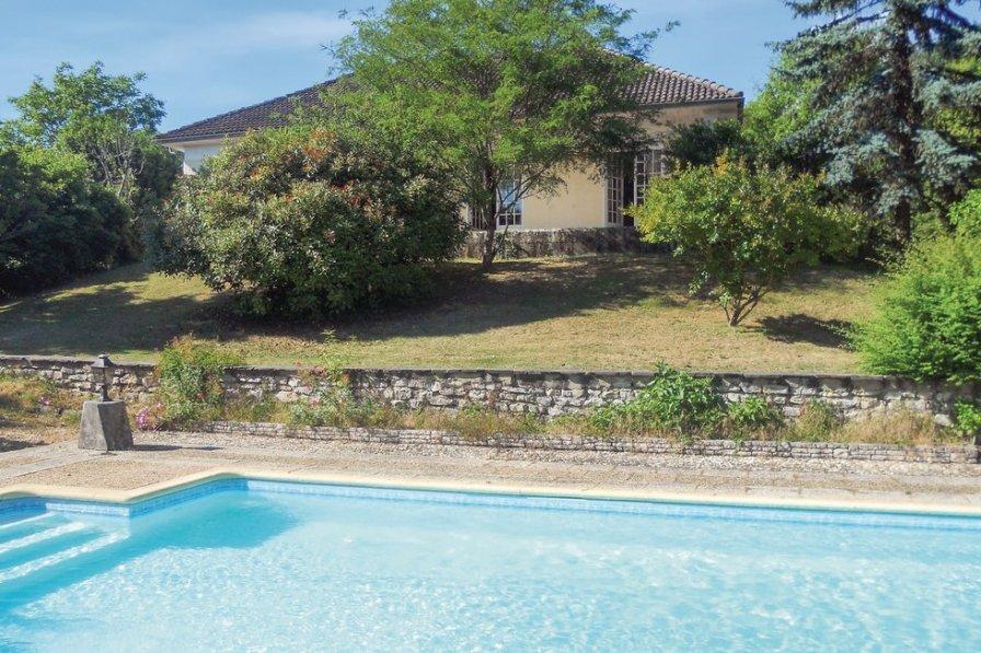 Villa in France, Château-l'Évêque: