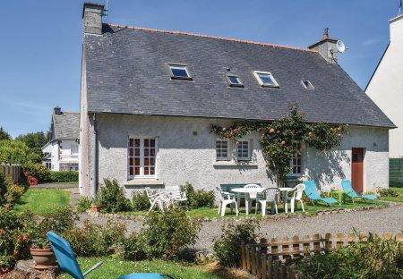 Villa in Ploumilliau, France